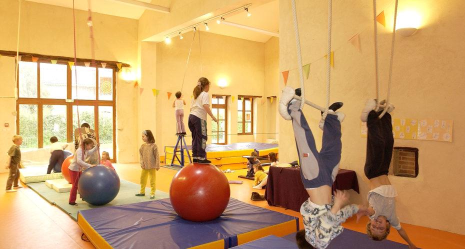 enfants dans la salle cirque