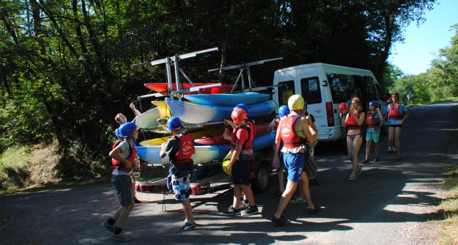 activité kayak avec des ados