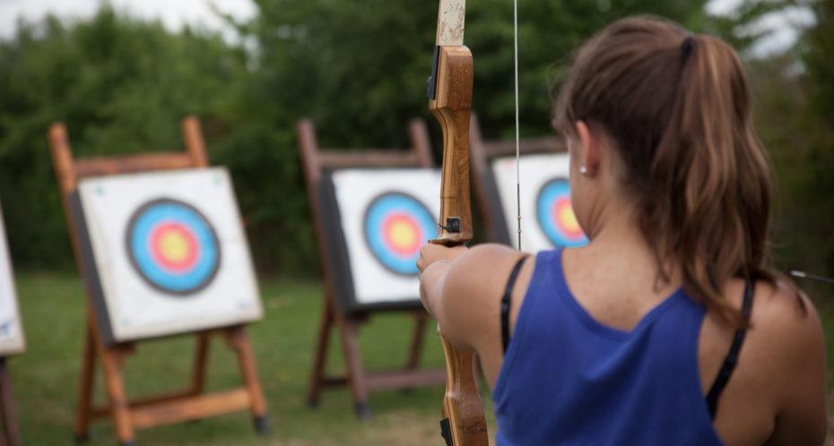 activité tir à l'arc sur pas de tir