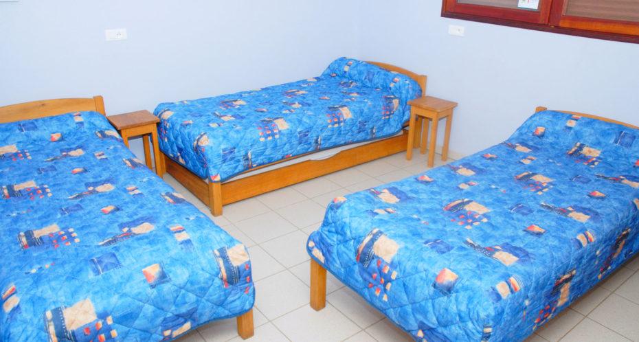 Chambre du HQE avec 3 lits