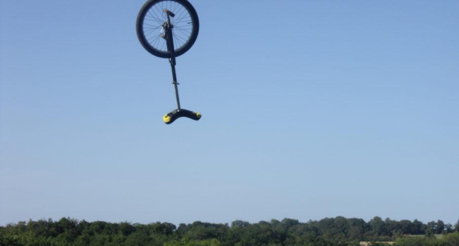monocycle dans les airs