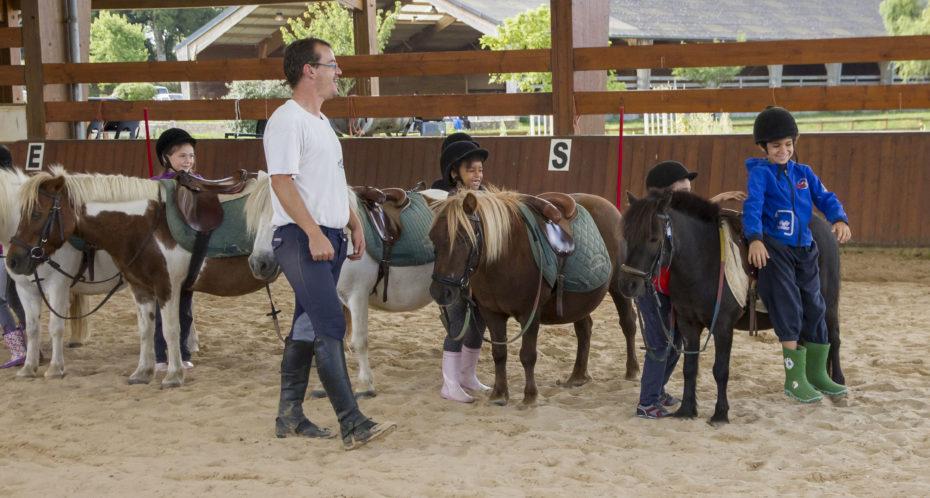 enfants avec poney