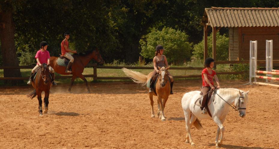 enfants à cheval